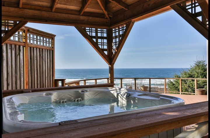 Nothing beats a hot tub and an ocean view